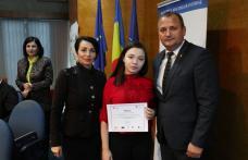 """Elevi de la Colegiul Naţional """"Grigore Ghica"""" Dorohoi premiați în cadrul unui proiect privind prevenirea traficului de persoane - FOTO"""