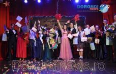 """Miss și Mister Boboc 2018: Emoții și energie la Balul Bobocilor organizat de Seminarul """"Sf. Ioan Iacob"""" Dorohoi – VIDEO/FOTO"""