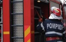 Casă din Loturi Enescu cuprinsă de flăcări! Pompierii dorohoieni au intervenit pentru stingere