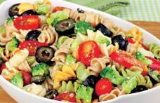 Salată cu paste