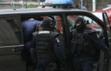 Percheziţii de amploare în județele Botoşani și Suceava. Sute de polițiști au descins la traficanţii de ţigări