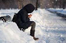 O masă de aer polar vine peste România. Temperaturile scad drastic și va ninge