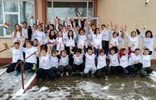 Școala Gimnazială nr. 1 Dorohoi - Mândri că suntem români! - FOTO