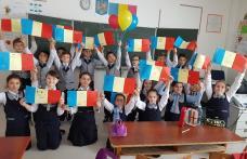 100 DE TREPTE CĂTRE ROMÂNIA DE AZI! Școala Gimnazială Cornerstone Dorohoi - FOTO