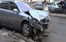 ACCIDENT: Autoturism parcat regulamentar lovit de un șofer care circula în stare de ebrietate