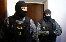 Percheziții domiciliare efectuate de polițiști la contrabandiști de țigări