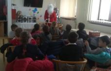 """Moș Crăciun a sosit la Centrul pentru copii și tineri cu dizabilități și la Centrul """"Jurjac"""" din cadrul DAS Dorohoi - FOTO"""