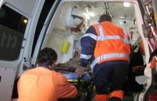 Ajuns la spital după ce a pierdut controlul volanului și a intrat cu mașina într-un șanț