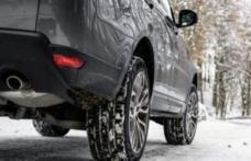Deplasări în siguranţă pe drumurile acoperite cu zăpadă