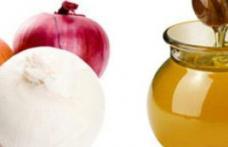 Remediu cu suc de ceapă și miere pentru circulație și afecțiuni respiratorii