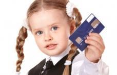 """Toţi copiii au primit """"cadou"""" conturi bancare de la guvern"""