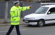 Șofer cu tupeu: S-a urcat la volan, deși avea permisul suspendat