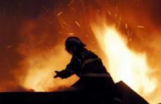 Cumplit! Bărbat decedat în urma unui incendiu izbucnit la baraca în care locuia