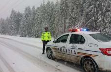 Deplasări în siguranţă pe drumurile acoperite cu zăpadă. 10 echipaje de poliţie rutieră vor acţiona pe raza judeţului Botoșani în aceste zile