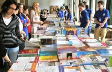 Manualul unic dispare. Ministerul Educaţiei anunţă din nou licitaţii pentru manualele şcolare