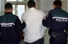 Bărbat de 46 de ani, reţinut pentru furt şi tentativă la tâlhărie