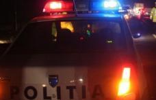 O adolescentă a ajuns la spital după ce a fost luată pe capotă de un șofer neatent
