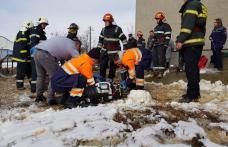 Incident grav! Un bărbat a căzut într-o fântână adâncă de 14 metri - FOTO