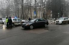 Mașină a poliției implicată într-un accident. Doi agenţi de la Poliția Botoșani au fost răniți
