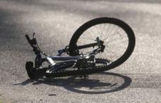 Dosar penal pentru un biciclist care a lovit o femeie și apoi a părăsit locul faptei