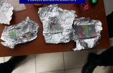 Dosar penal pentru doi tineri din Botoșani pentru deținere de cocaină și cannabis - FOTO
