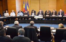 Secretarii Unităţilor Administrativ-Teritoriale din judeţ, întâlnire cu şefi de deconcentrate şi cu juriştii Instituţiei Prefectului