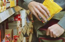 Botoșănean reţinut după ce a sustras mai multe produse alimentare dintr-un supermarket