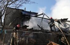 Familie păgubită de foc! Anexă cuprinsă de flăcări la Botoșani – FOTO