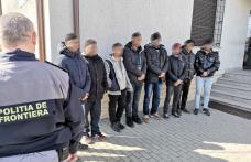 Cetățeni asiatici depistați de polițiștii de frontieră din Dorohoi în timp ce încercau să intre ilegal în România - FOTO