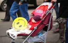"""""""Marșul pentru viață"""" schimbă vieți. Alătură-te și tu cu familia pentru a susține viața"""