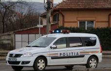 Un tânăr fără permis a intrat cu mașina în gardul unei locuințe, apoi a abandonat autoturismul care nu era înmatriculat în circulaţie
