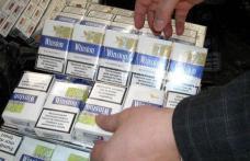 Ţigări de contrabandă confiscate de poliţişti din Piaţa Centrală