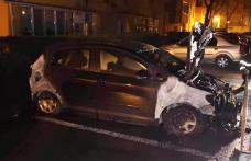 Mașină parcată cuprinsă de flăcări la Botoșani