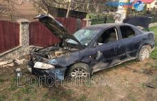 Accident grav la Dorohoi! Copil ajuns de urgență la spital după ce o mașină a părăsit partea carosabilă - FOTO