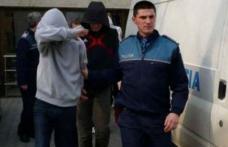 Doi minori au ajuns pe mâna poliției după ce au comis mai multe furturi