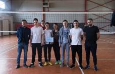 """Campionat de volei la Colegiul Național """"Grigore Ghica"""" Dorohoi - FOTO"""