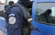 Scandal iscat într-un bar din Dorohoi, aplanat de jandarmi. Scandalagii au fost transportați la spital
