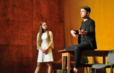 """Colegiul Național """"Grigore Ghica"""" Dorohoi – Suntem oameni, avem emoții, iubim teatrul! - FOTO"""