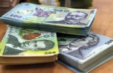 Majorări salariale pentru anumiţi angajaţi plătiţi din fonduri publice au fost promulgate de președintele Iohannis