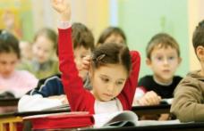 Se anunţă noi schimbări în Educaţie. Sunt vizaţi toţi elevii!