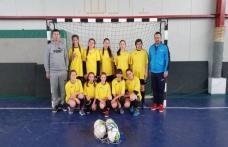 Echipa de fotbal fete a Liceului Tehnologic Al. Vlahuţǎ Şendriceni calificată la națională - FOTO