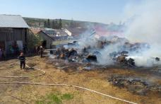 Incendiu declanşat la depozitul de furaje a fost stins după aproape cinci ore - FOTO