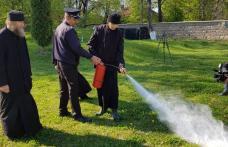 Bisericile din Botoșani, verificate de pompieri înainte de Paște - FOTO