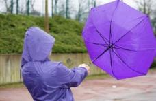 Vin ploile în toată țara - în multe județe va fi COD GALBEN