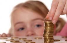 Copiii vor primi alocaţii mai mari începând cu luna mai