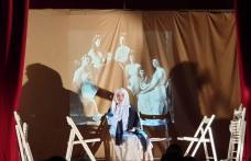 """Sala Teatrului din Dorohoi a găzduit piesa de teatru """"Regina Maria-Regina tuturor românilor"""" - FOTO"""