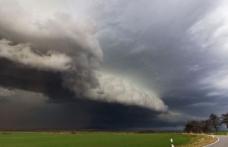 Ciclon periculos peste România. Vor fi ploi și vijelii. Zonele vizate