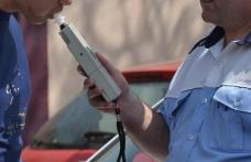 Dosar penal pentru un șofer care mirosea a alcool dar a refuzat să sufle în fiolă sau să îi fie recoltate probe biologice