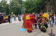 """""""1 Iunie în siguranță alături de pompierii botoșăneni!"""" – Activitate interactivă pentru copii - FOTO"""