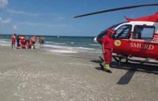 Imagini dramatice! Bărbat scos din mare, resuscitat și preluat de elicopterul SMURD